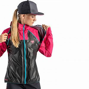 71289-6461-Dynafit-Elevation-Gore-Tex-Jacket-W-lipstick-shoulder